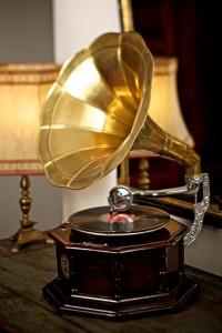 Hotel Grafenwirt - Treppenhaus Detail Grammophon