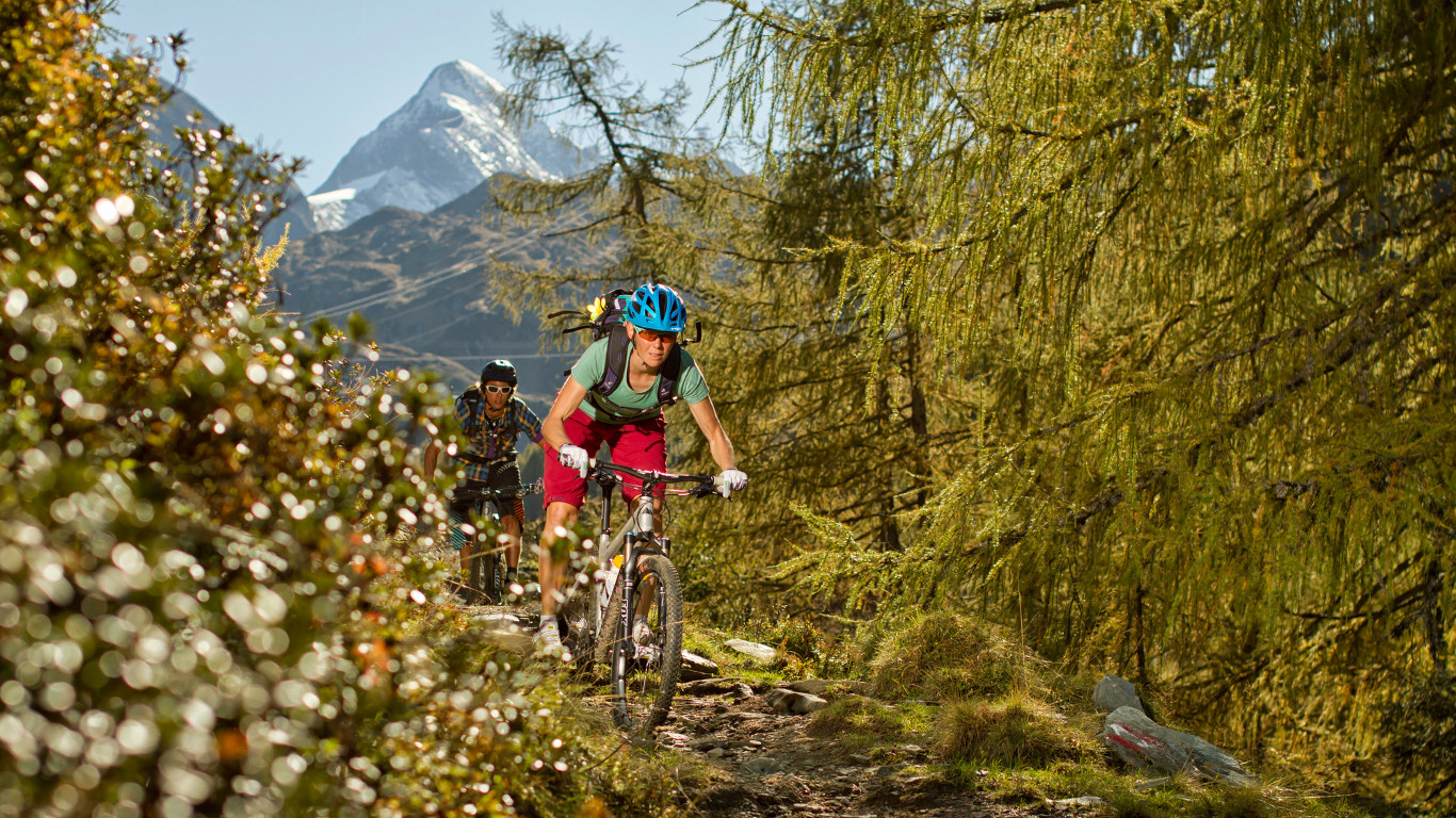 Hotel Grafenwirt - Radfahren Paar