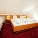 Hotel Grafenwirt - Doppelzimmer mit Zustellbett
